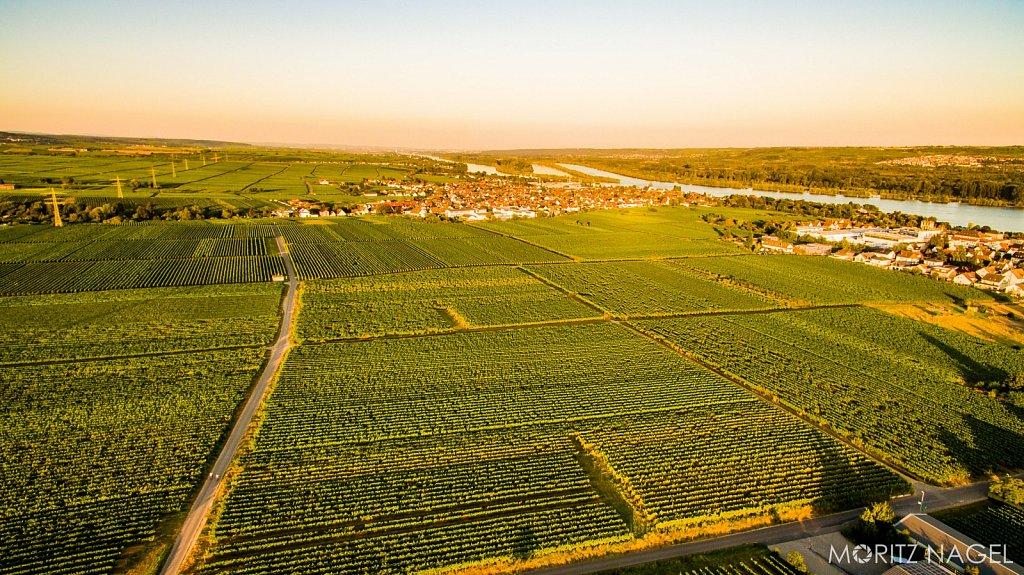 Schloss-Vollrads-Sonnenuntergang-Luftaufnahme-Moritz-Nagel-2016-14.jpg